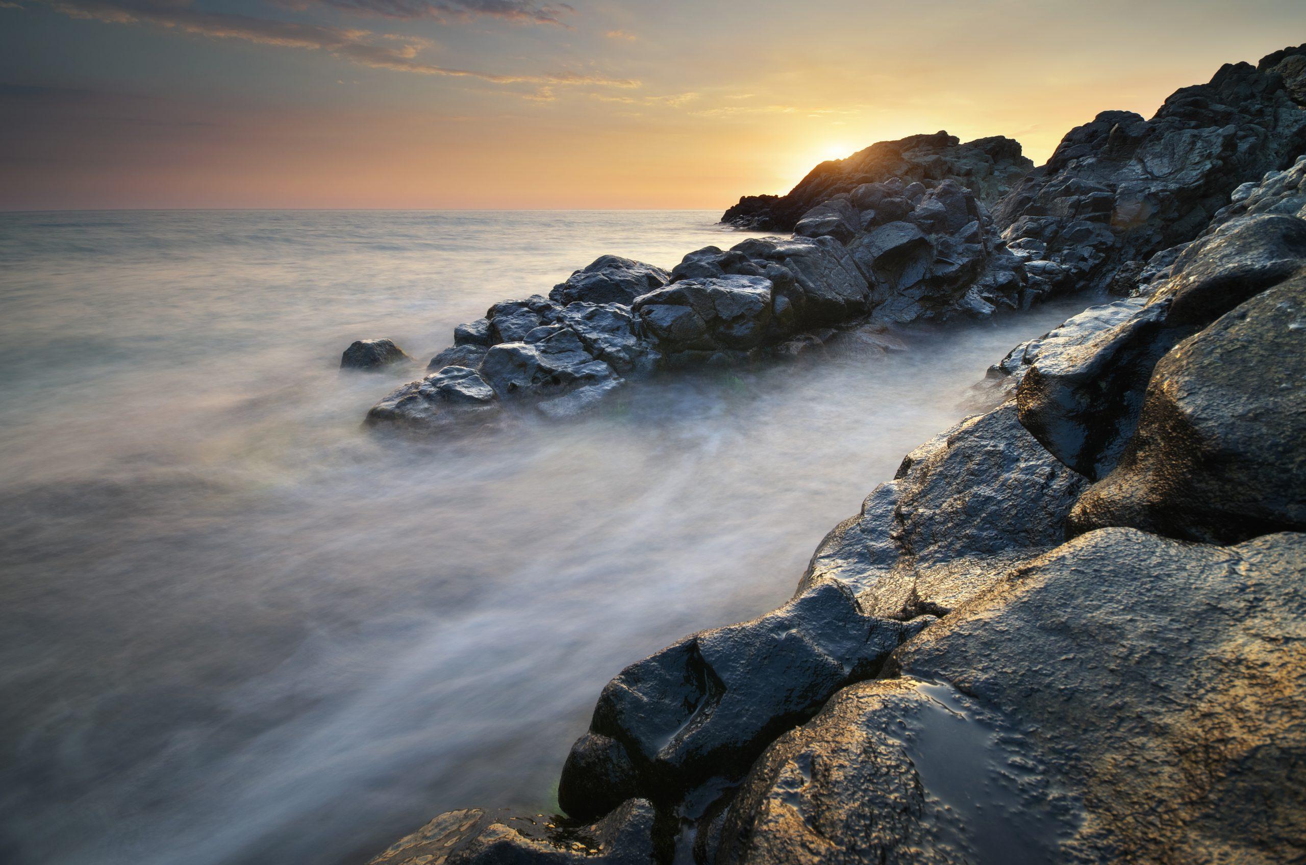 beautiful-seascape-nature-P2GSL2J-scaled.jpg