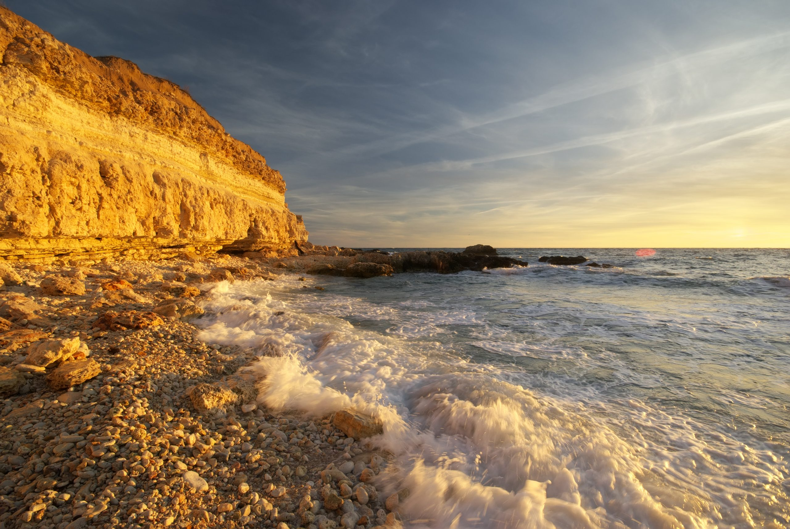beautiful-seascape-nature-WGL5QTF-scaled.jpg